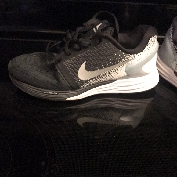 official photos dcbdf b097f Nike lunarglide 7 girl shoes. Youth size 4.5. M 5bf5cb1c45c8b36884da8c0f